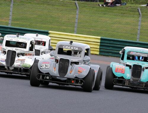Battle Resumes For Legends Cars At Donington Park