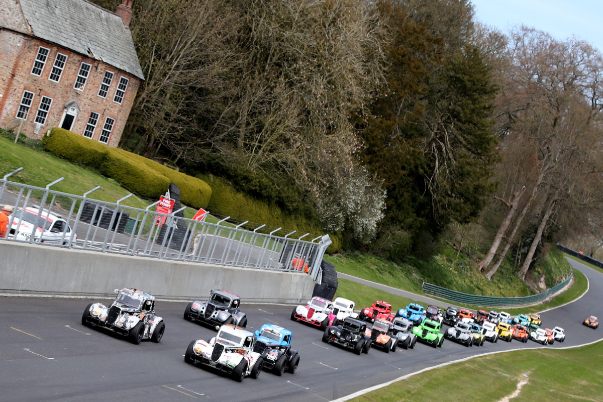 Rudman Takes Early Points Lead On Fantastic Opening Weekend At Cadwell