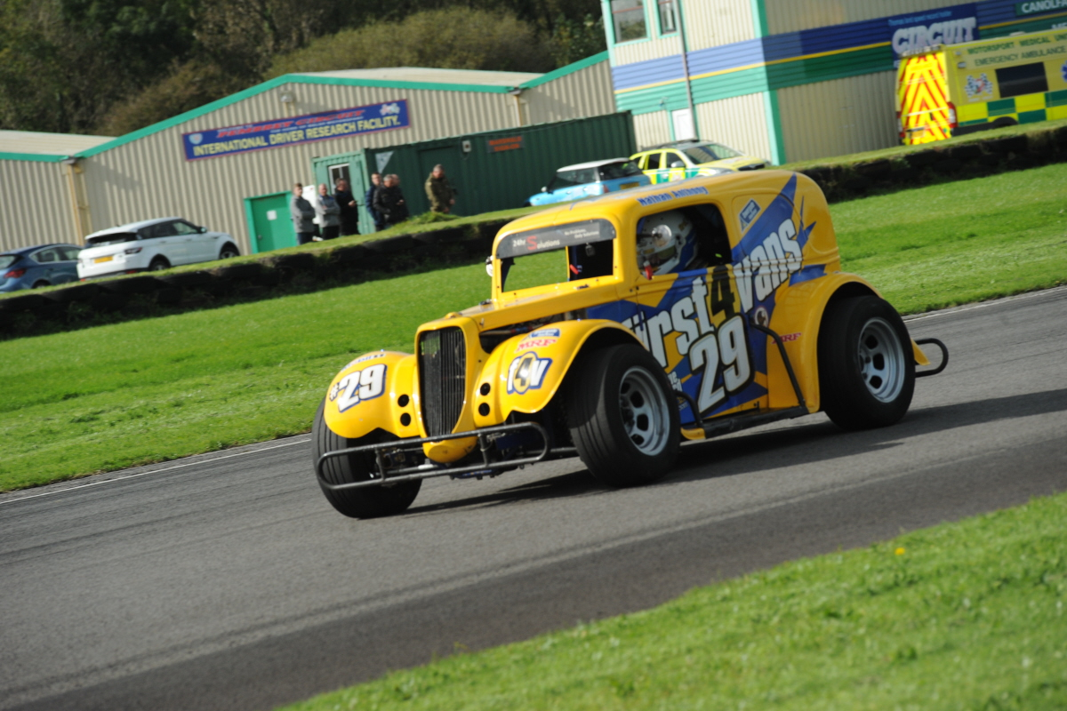 Welsh Government COVID-19 Regs Enforce Cancellation Of Pembrey Legends Rounds